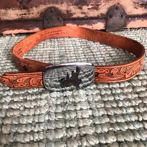 Justin boots tooled leather metal buckle belt